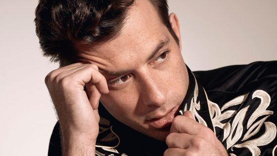 """Late Night Feelings"": ascolta qui il nuovo disco di Mark Ronson"