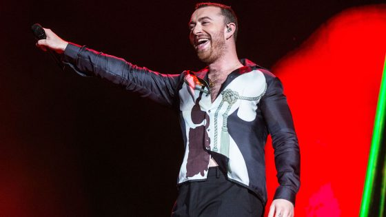 "Sam Smith è (molto) bravo a ballare: ecco il video di ""How Do You Sleep?"""