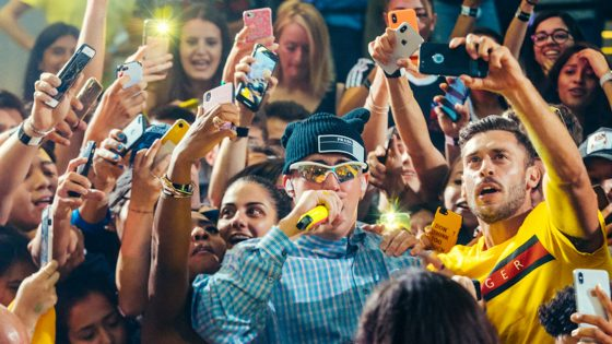 È iniziato da Milano con Bad Bunny l'Up Next Live di Apple Music