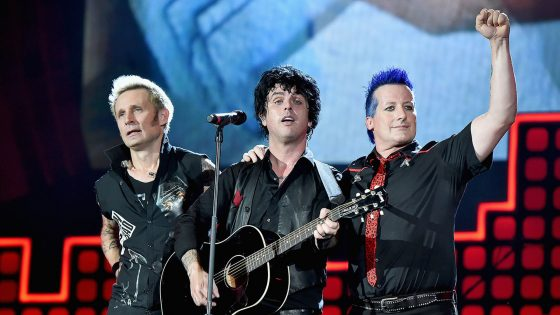 "Green Day: il nuovo singolo ""Father of All..."" anticipa album e tour"